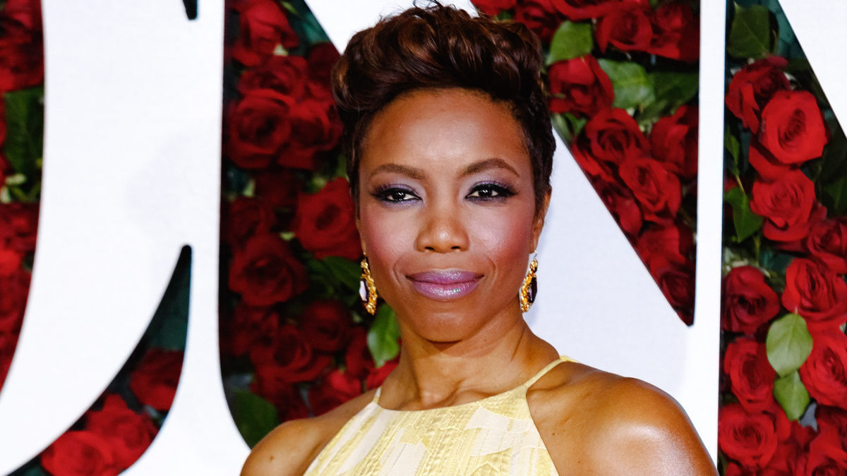 Heather Headley - 6/16 - Emilio Madrid