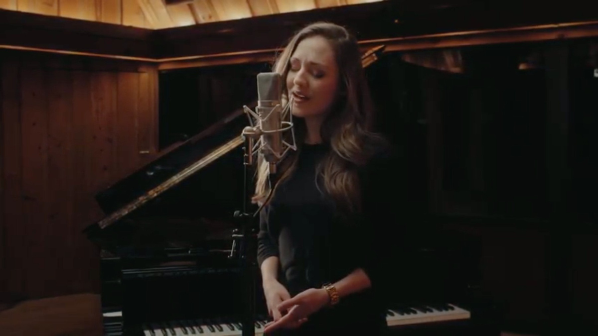 Laura Osnes WI - 3/31